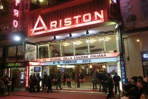 Il Teatro Ariston di Sanremo, sede del Festival dal 1977 al 1989 e dal 1991, durante l'ultima serata dell'edizione 2013.