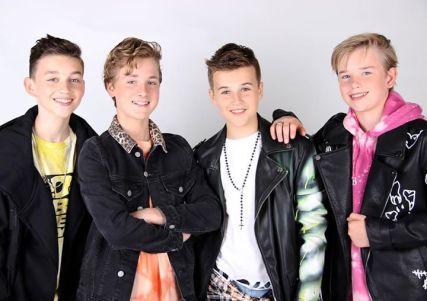 FOURCE (Niels, Max, Jannes en Ian)