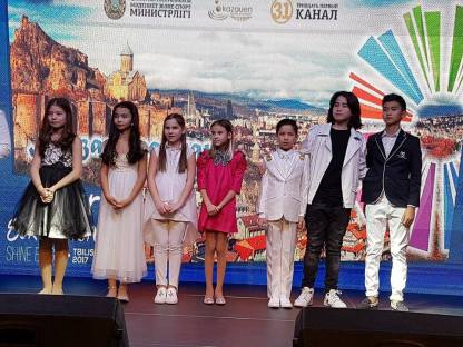 The first picture of the kids from KAZAKHSTAN who are in Tbilisi - they are performing at the Euro club - thanks to Ian Fowell who is there to watch and report.jpg